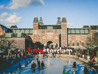 Холандия се стреми да ограничи туристопотока